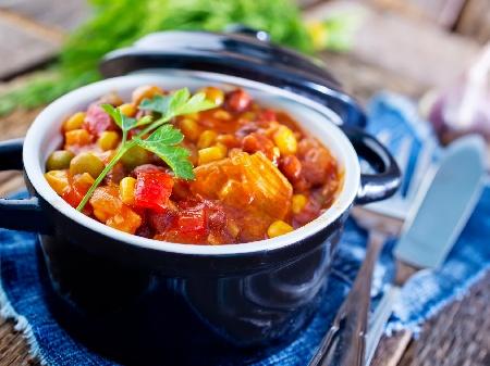 Вегетарианска (постна) яхния от картофи и грах - снимка на рецептата